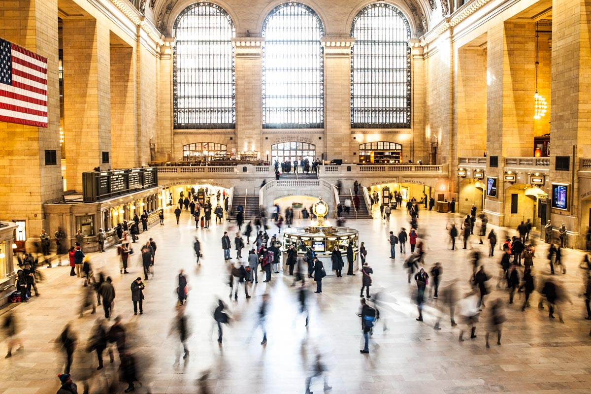 Exploring the Benefits of Traveling by Train in United States